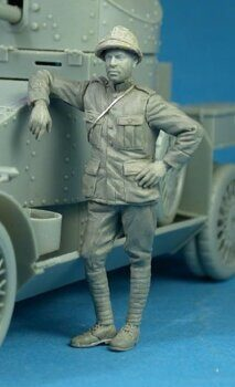 F35-011 Belgian Armoured car crewman