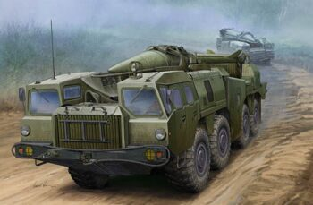"01019 1/35 Soviet (9P117M1) Launcher with R17 Rocket of 9K72 Missile ""Elbrus"" (Scud B)"