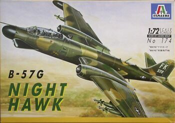 174 САМОЛЕТ B-57G NIGHT HAWK