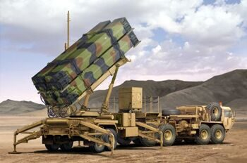 01037 M983 HEMTT & M901 Launching Station of MIM-104F