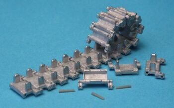 MTL35041 Tracks and Drive Sprockets for BMP-1